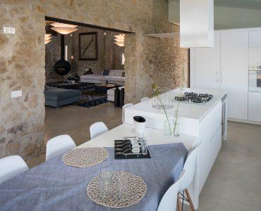 mas_moscat_cocina_pals_baix_emporda_casa_masia_en_venta_cases_singulars_emporda